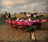 OnsKenia, Lions Bluff Safari Camp bush-breakfast, Lumo conservancy nabij Tasvo West Nationaal Park