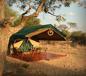 Mdonya River Camp, interieur kamer, Ruaha Nationaal Park Tanzania